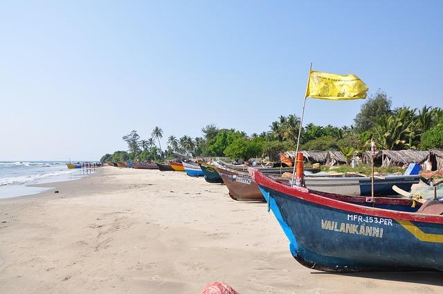 lodě na pláži