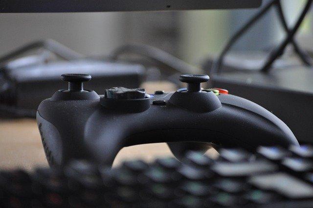 ovladač k videohrám