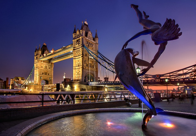 tower bridge.jpg