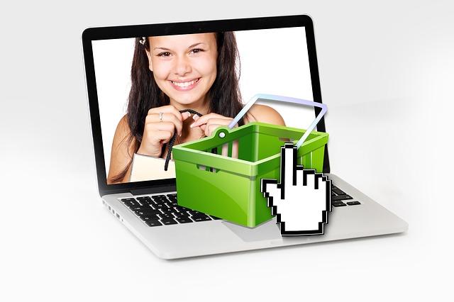 nákupní košík a obrazovka.jpg