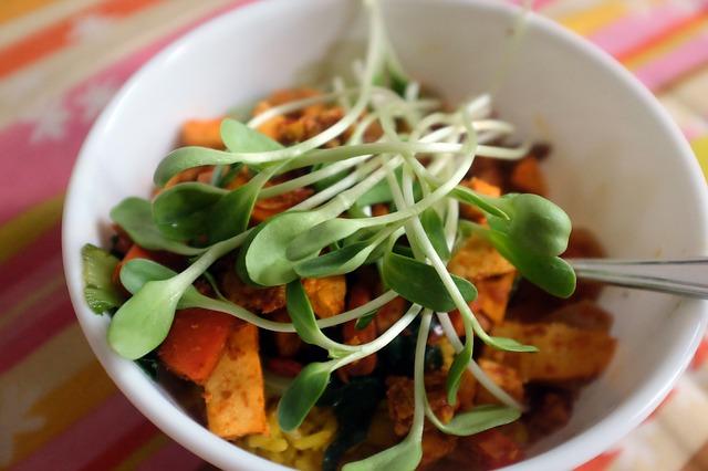 rostlinky v salátu