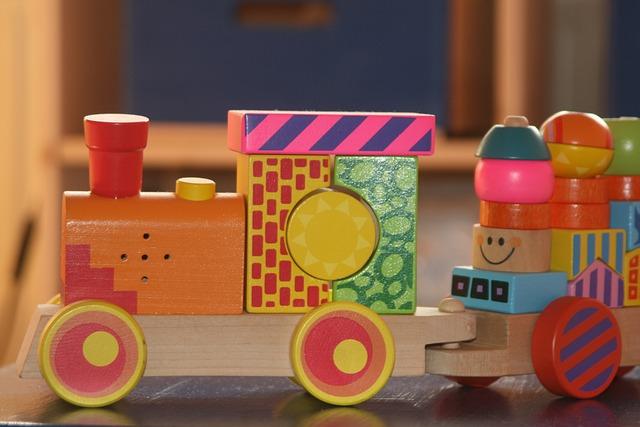 dřevěný vlak.jpg